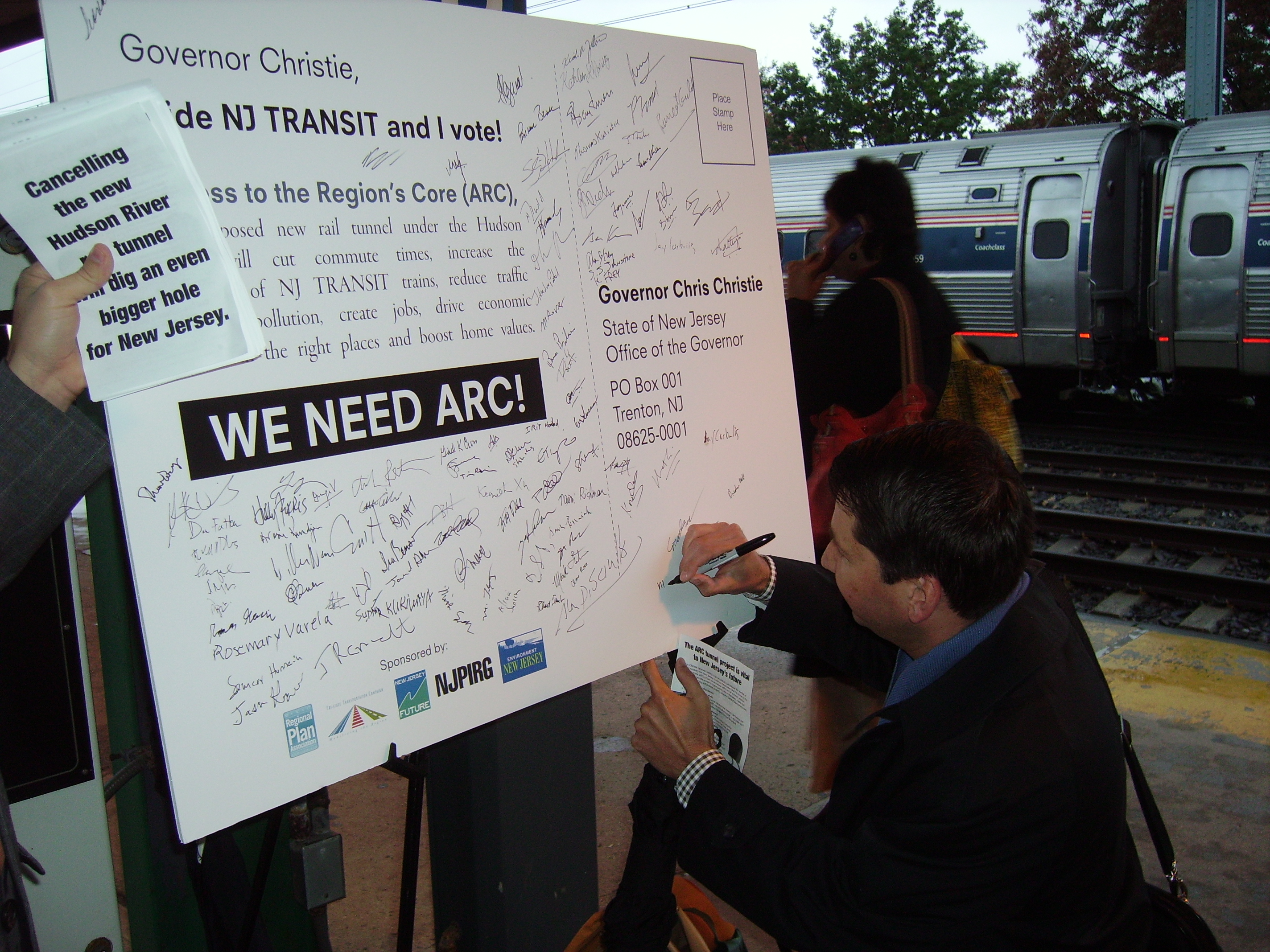 Commuters at Princeton Junction express their support for the ARC Tunnel project. Source: NJ Future