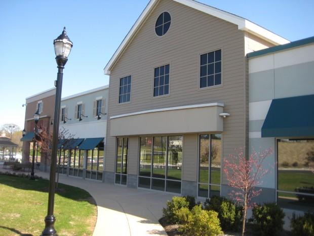 Cooper Towne Center facade detailing, including false second level