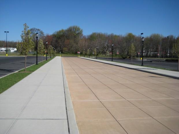 Cooper Towne Center pedestrian promenade