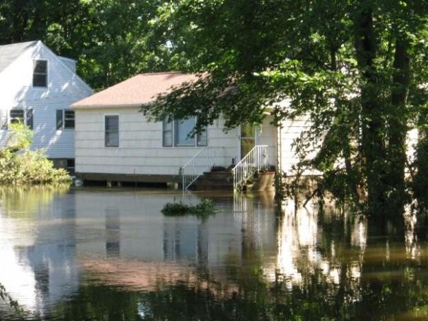 PomptonRiverwalk-flooding